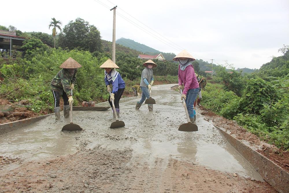 Hơn 14 tỷ USD làm đường nông thôn