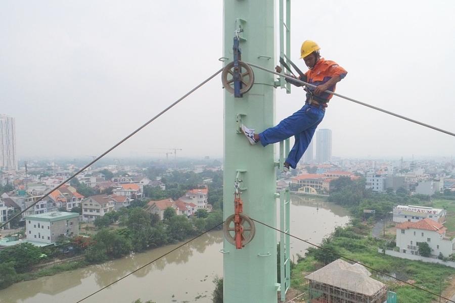 EVNHCMC gấp rút hoàn thiện công trình đường dây 220kV Cát Lái - Tân Cảng