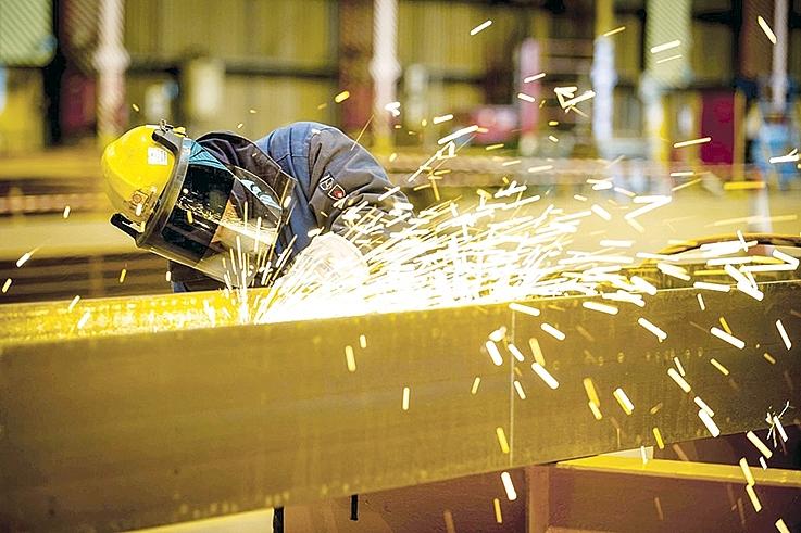 Tiết kiệm năng lượng trong công nghiệp: Xây dựng hệ thống đánh giá và giám sát