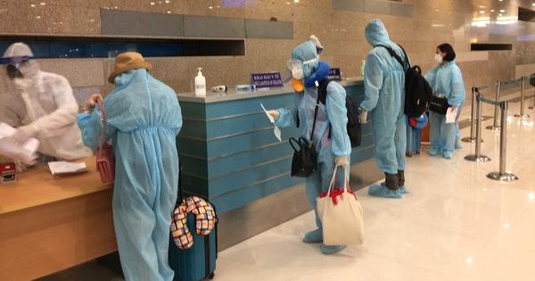 300 người từ Hàn Quốc về nước hạ cánh sân bay Cần Thơ