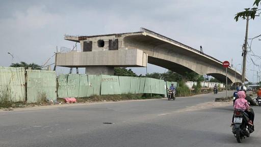 """TP HCM: Vướng mặt bằng, nhiều dự án giao thông """"đắp chiếu"""""""