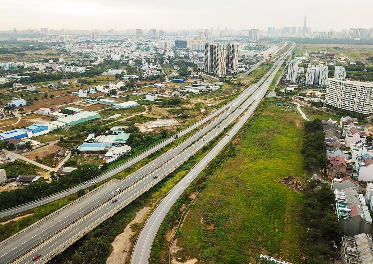 Khởi công 3 dự án cao tốc Bắc Nam