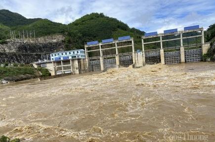 Nghệ An: Nước về hồ tăng đột biến, thủy điện Bản Ang- Khe Bố thông báo xả lũ