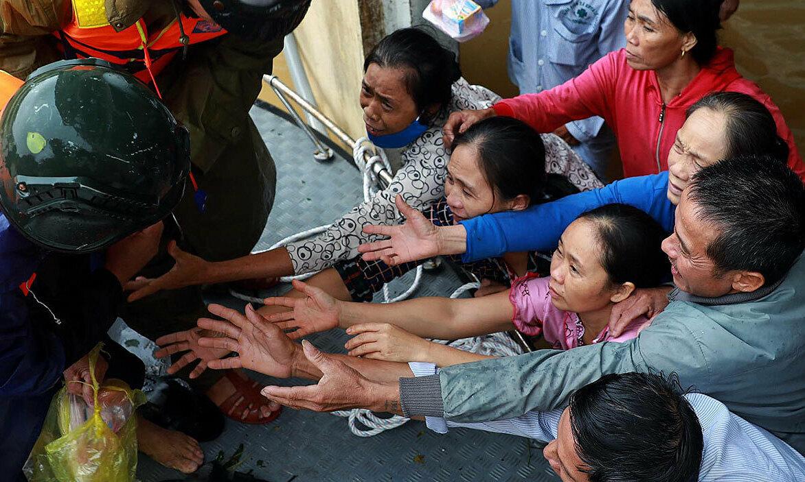 Quảng Bình trải qua lũ lớn nhất trong 41 năm