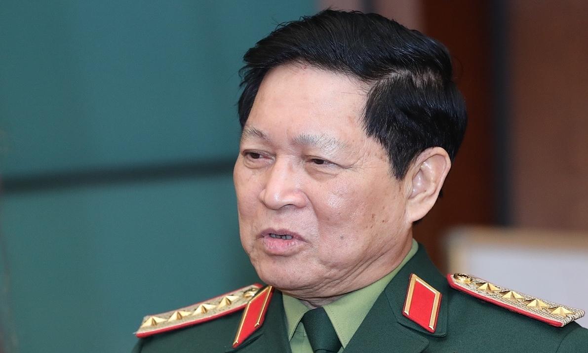 Bộ trưởng Quốc phòng: 'Huy động trực thăng cứu trợ người dân'