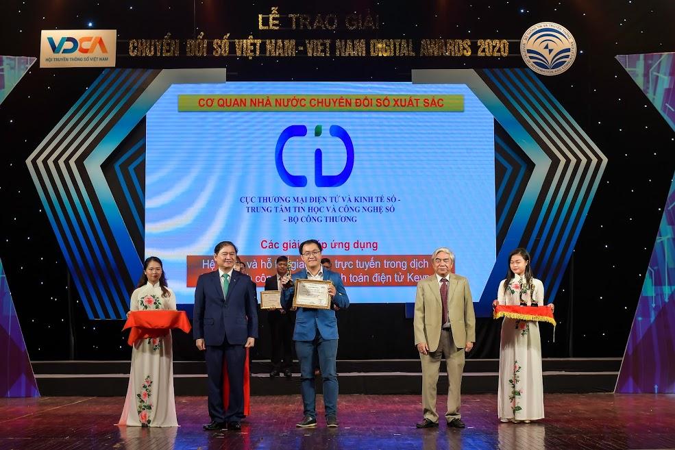 Hệ thống Hỗ trợ giao dịch tích hợp thanh toán trực tuyến KeyPay nhận giải thưởng Chuyển đổi số Việt Nam 2020