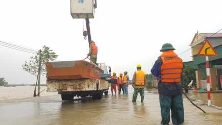 Hà Tĩnh: Nước rút đến đâu,  khắc phục điện đên đó