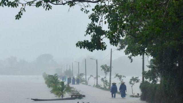 Công điện khẩn của Bộ Công Thương về việc ứng phó, khắc phục nhanh nhất hậu quả do bão số 9 gây ra