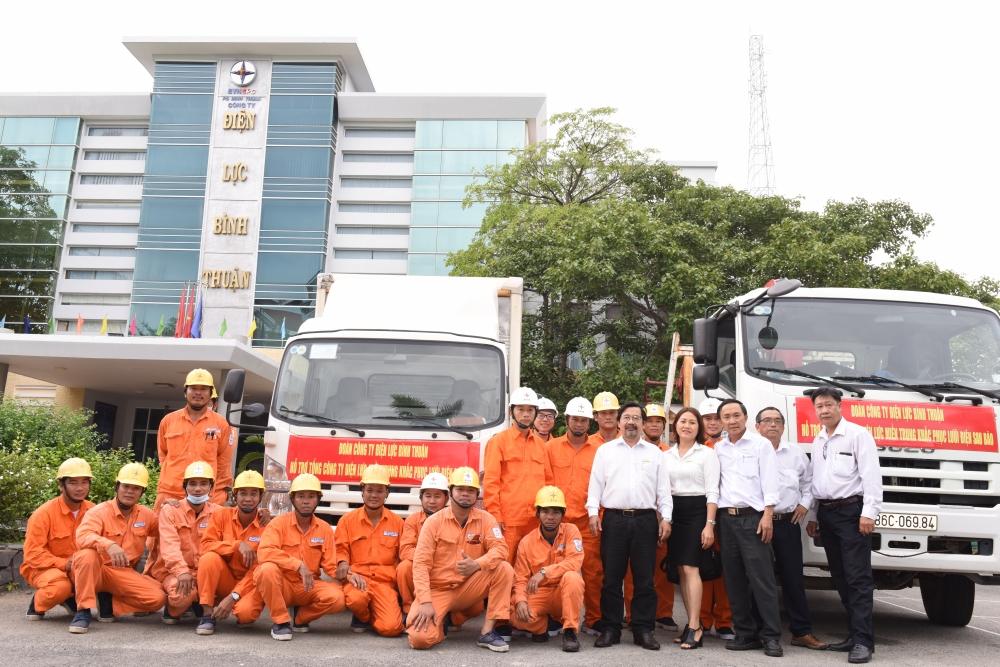 EVNSPC điều lực lượng hỗ trợ miền Trung khắc phục sự cố về điện do bão lũ