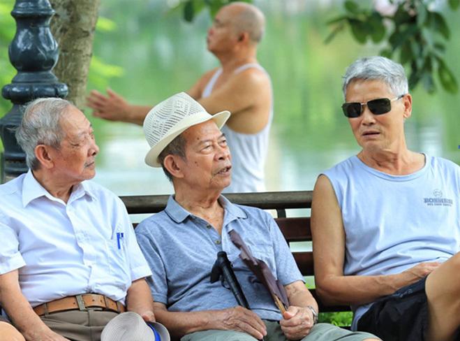 Hỗ trợ bảo hiểm y tế cho nửa triệu người cao tuổi