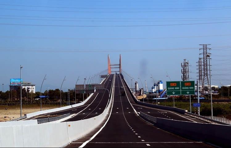 Tiếp tục phát triển kết cấu hạ tầng hiện đại, đồng bộ để phát triển kinh tế xã hội
