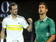 """Cực nóng chung kết Australian Open: Djokovic từng bị Medvedev """"hành"""" cỡ nào?"""