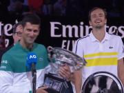 Djokovic lần 9 đăng quang Australian Open: Nói gì khiến Medvedev cười nghiêng ngả?