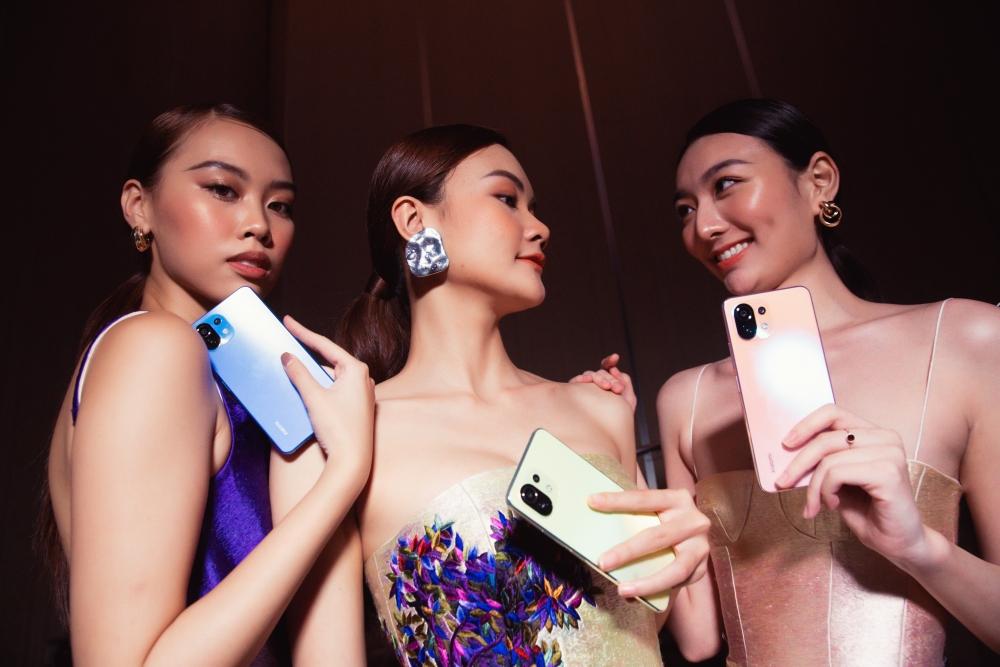 Xiaomi Việt Nam kết hợp nhà thiết kế thời trang Trần Hùng ra mắt hai sản phẩm mới