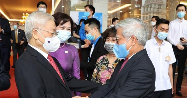 Tổng bí thư Nguyễn Phú Trọng: Ngành ngân hàng phải là huyết mạch của nền kinh tế