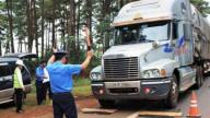 Một tháng, phạt hơn 1.400 xe chở quá tải hơn 12 tỷ đồng