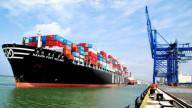 Hàng container qua cảng biển tiếp đà tăng hai con số