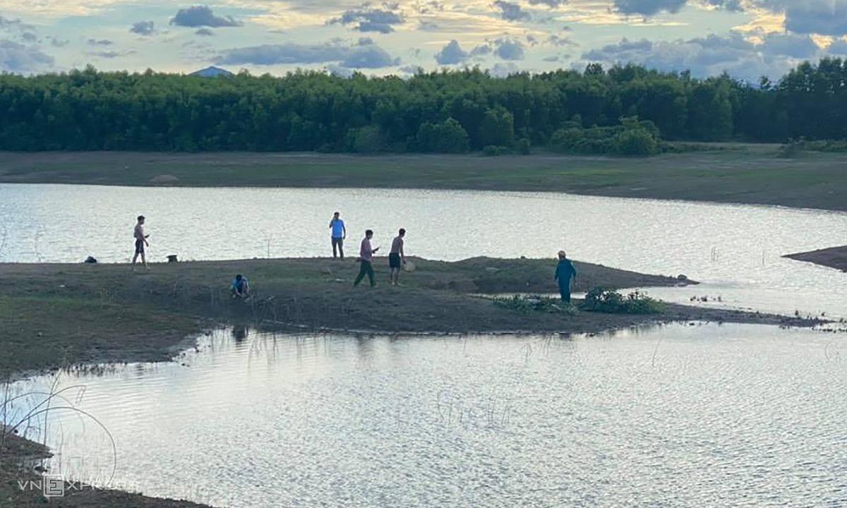 Hai nam sinh gặp nạn ở hồ thuỷ lợi