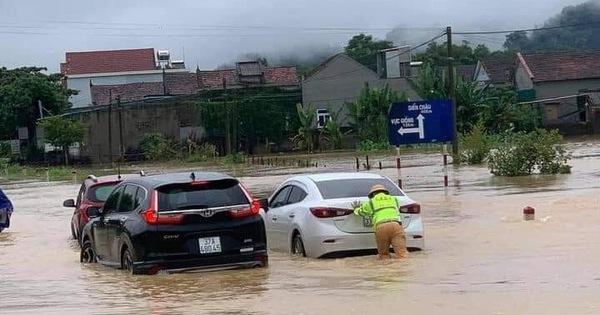 Nghệ An: Mưa dồn dập, hồ thủy lợi, thủy điện xả tràn, chia cắt nhiều nơi