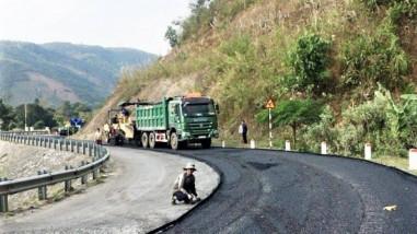 Vốn bảo trì đường bộ nâng tầm giao thông miền núi