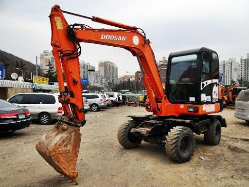 Cần mua Máy Xúc Đào Bánh Lốp 55 của DOOSAN hoặc VOLVO