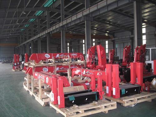 Cần cẩu khác UNIC SERIES UR-V370 3,03 tấn