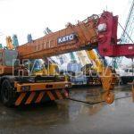 Cẩu bánh lốp KATO KR50H-V 2000 3810256