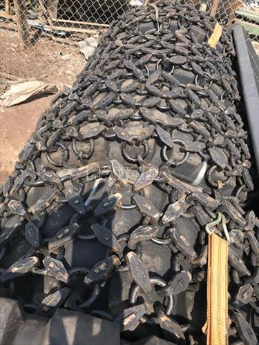 Lốp và xích bọc lốp 17.5-25 chất lượng cao