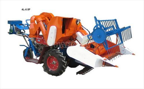 Máy gặt đập liên hợp KUBOTA 4L-0.5 45kW