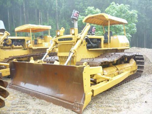 Máy ủi CAT D3