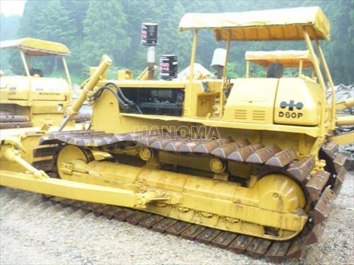 Máy ủi CAT D6