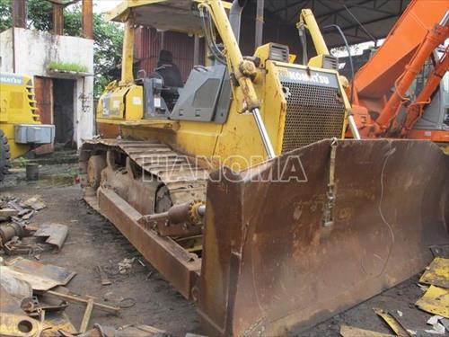 Máy ủi KOMATSU D65EX-15  67724