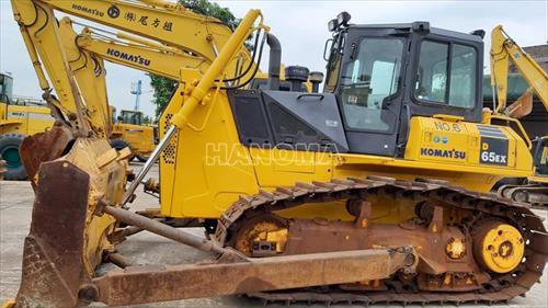 Máy ủi 2009 KOMATSU D65EX-15E0 71644
