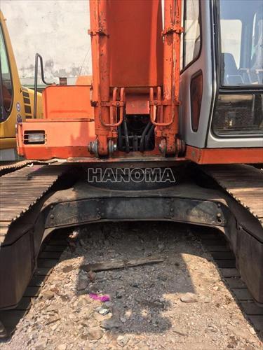 Máy xúc đào bánh lốp HITACHI EX - 200