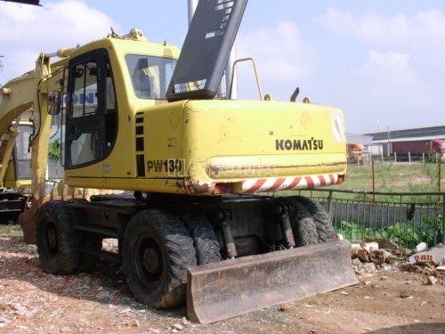 Máy xúc đào bánh lốp KOMATSU PW130-6 1998