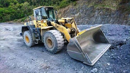 Máy xúc đào bánh lốp KOMATSU WA430 2004