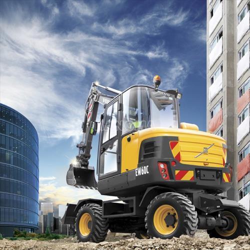 Máy xúc đào bánh lốp VOLVO EW60C