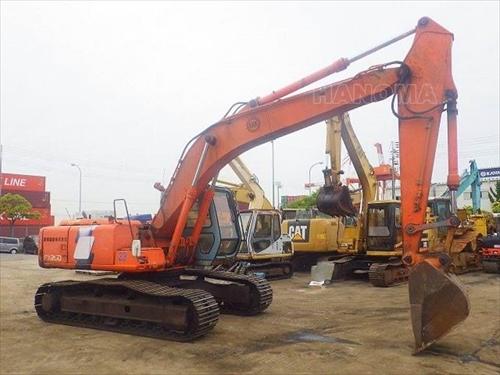 Máy xúc đào bánh xích HITACHI EX200-3