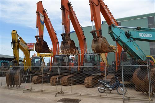 Máy xúc đào bánh xích HITACHI ZX200 -3 gần 1m3