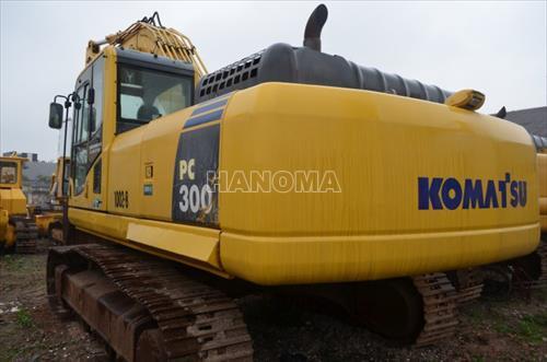 Máy xúc đào bánh xích KOMATSU PC300 61393