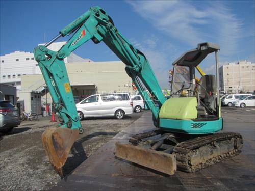 Máy xúc đào Mini YANMAR B3-5 50904B