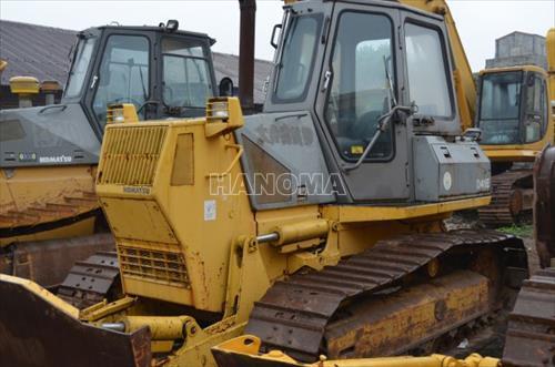 Máy xúc lật KOMATSU D41E-6 B20030