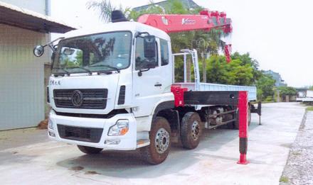 Xe cẩu tự hành 2020 DONGFENG L315 4 chân gắn cẩu Unic 12 tấn