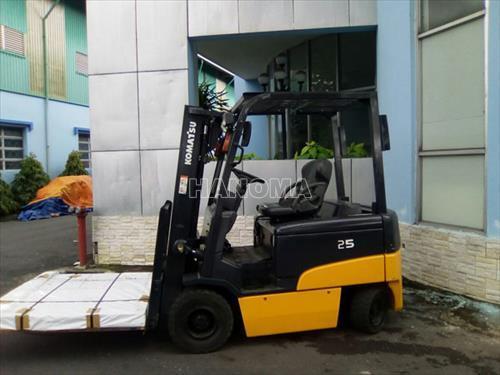 Xe nâng KOMATSU FB25EX-11 2013 818468