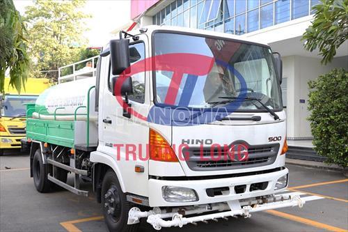 Xe phun nước rửa đường HINO 6M3