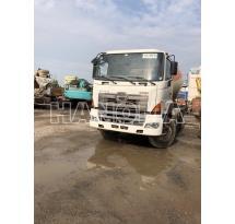 Xe trộn bê tông HINO 700 2013