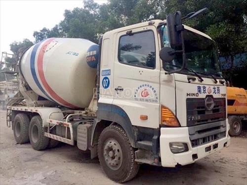 Xe trộn bê tông HINO 700 BỒN 10 KHỐI CŨ ĐỜI 2012