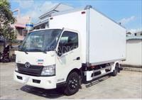 Xe tải HINO XZU730 5,2 tấn thùng kín